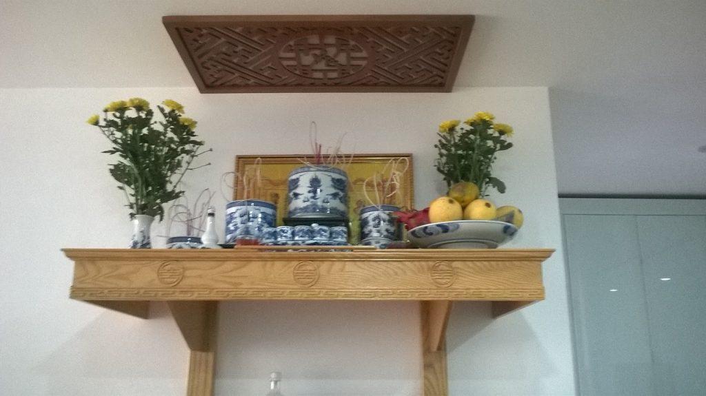 Một số mẫu bàn thờ Phật treo tường đẹp chuẩn thước Lỗ Ban