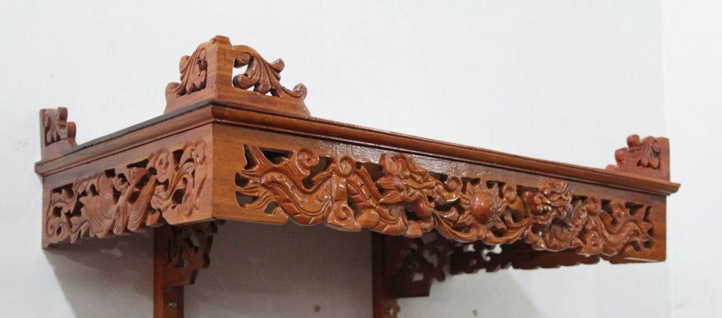 Mẫu bàn thờ treo tường cho chung cư được thiết kế tinh xảo