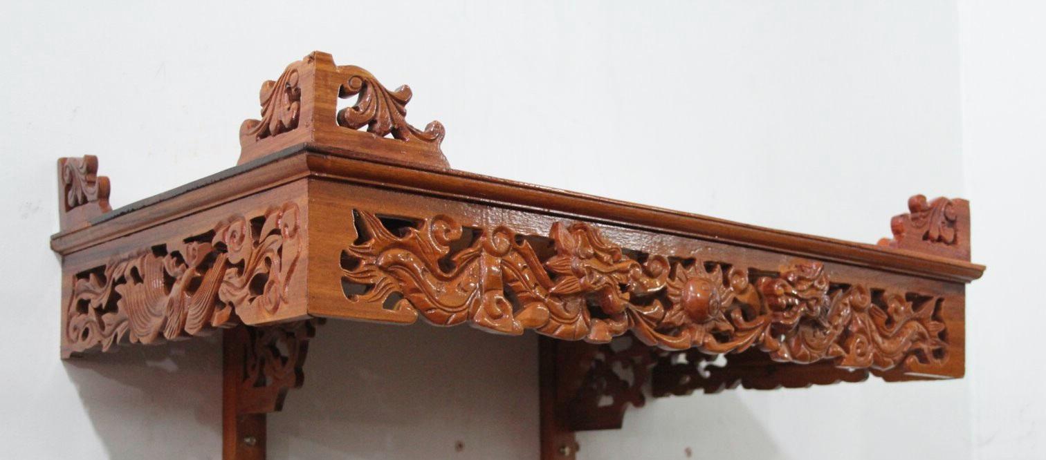 Mẫu bàn thờ treo tường chạm rồng theo phong cách cổ điển
