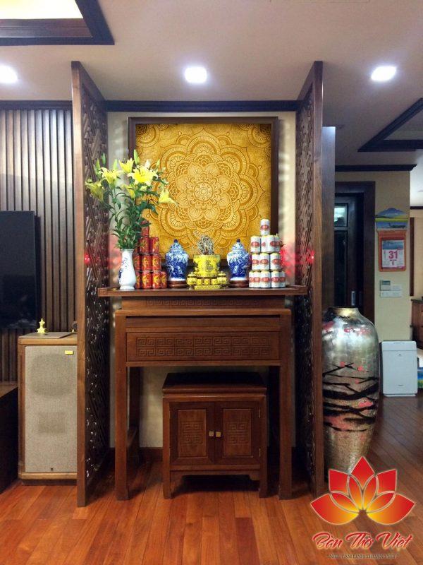 Tủ thờ phòng khách có những đặc điểm vô cùng phù hợp, tiện dụng dành cho phòng khách gia đình